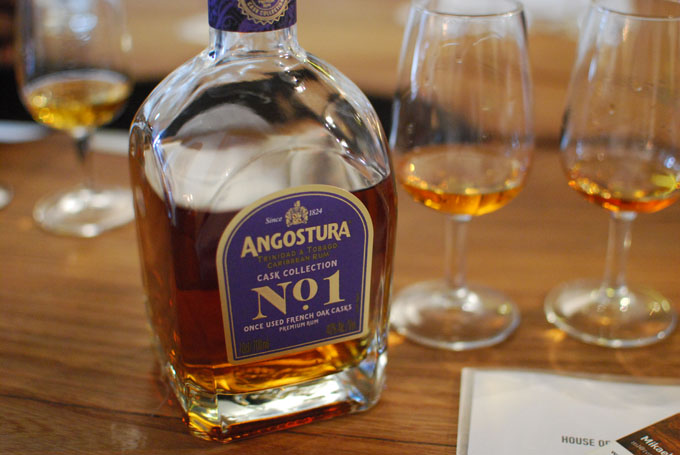 Angostura-No1-Cask-Collection-Once-Used-French-Oak-photo-07