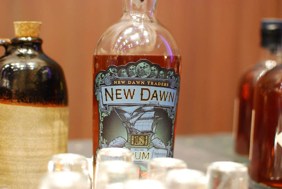 new-dawn-rum-18-yr-photo01