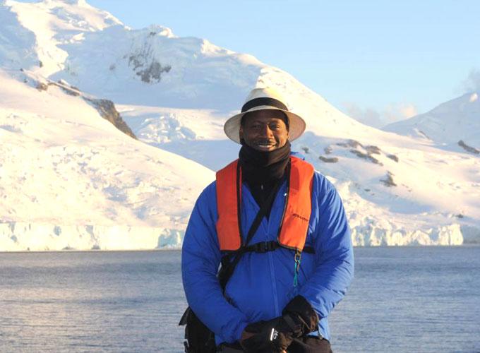 Ian Burrell öppnar rombar på Antarktis