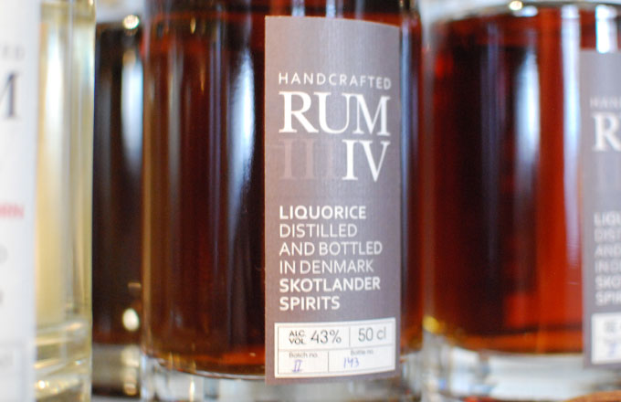 skotlander-rum-IV-liquorice-photo02