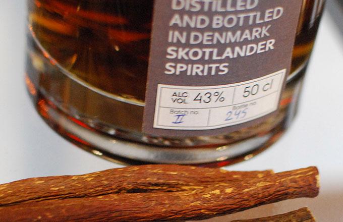 skotlander-rum-IV-liquorice-photo05