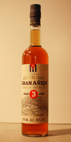 the-brand-new-republique-gran-anejo-bottle