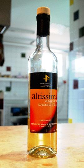 trakumla-altissima-andra-debuten-bottle