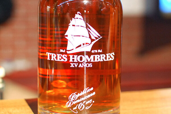 tres-hombres-rum-of-the-month-de-2013-large