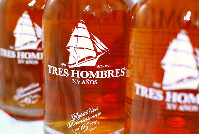 tres-tres-hombres-rum-photo01