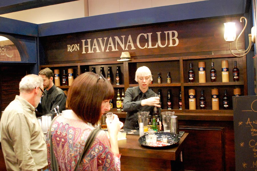 uk-rumfest-2015-havana_club_bar-1