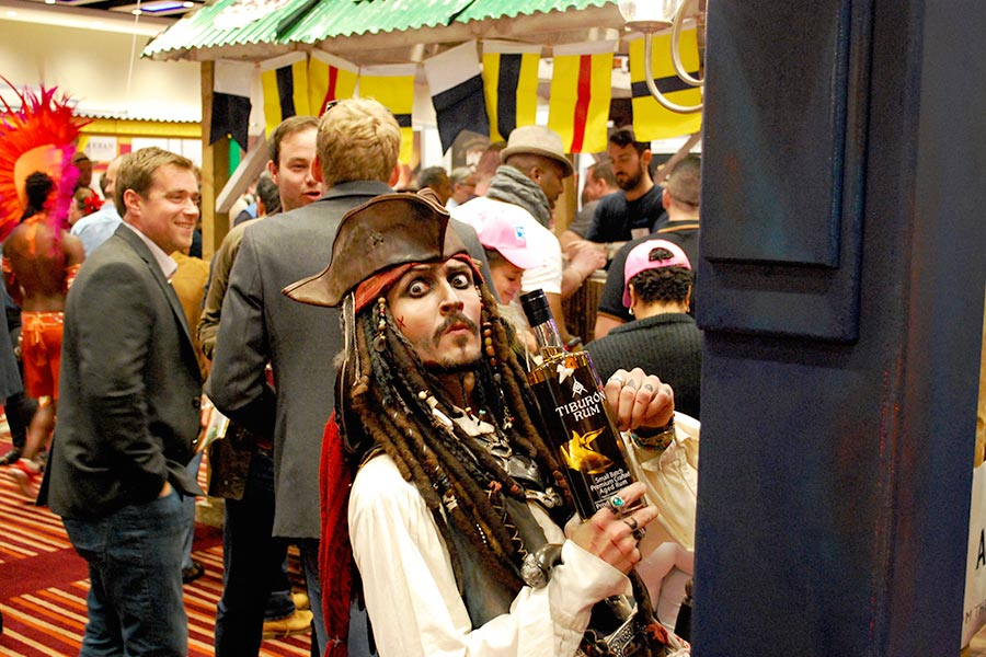 uk-rumfest-2015-tiburon-pirate-1